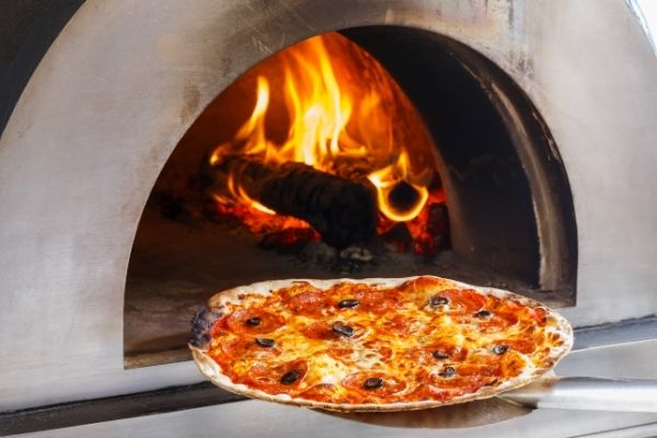 Bring a restaurant quality slice to your outdoor kitchen